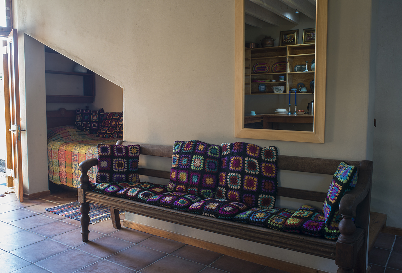self-catering bench