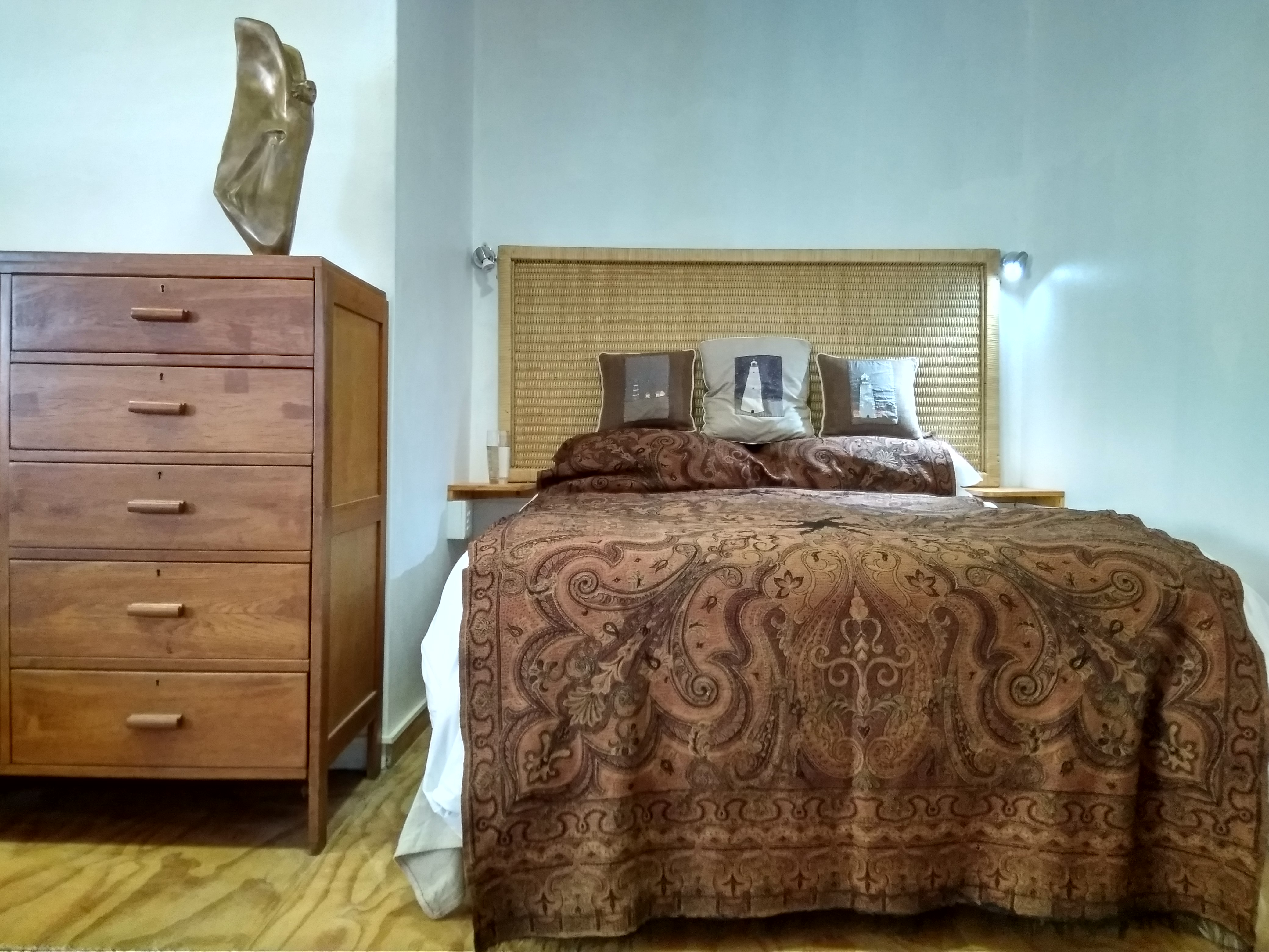 a double bed in a self-catering cottage