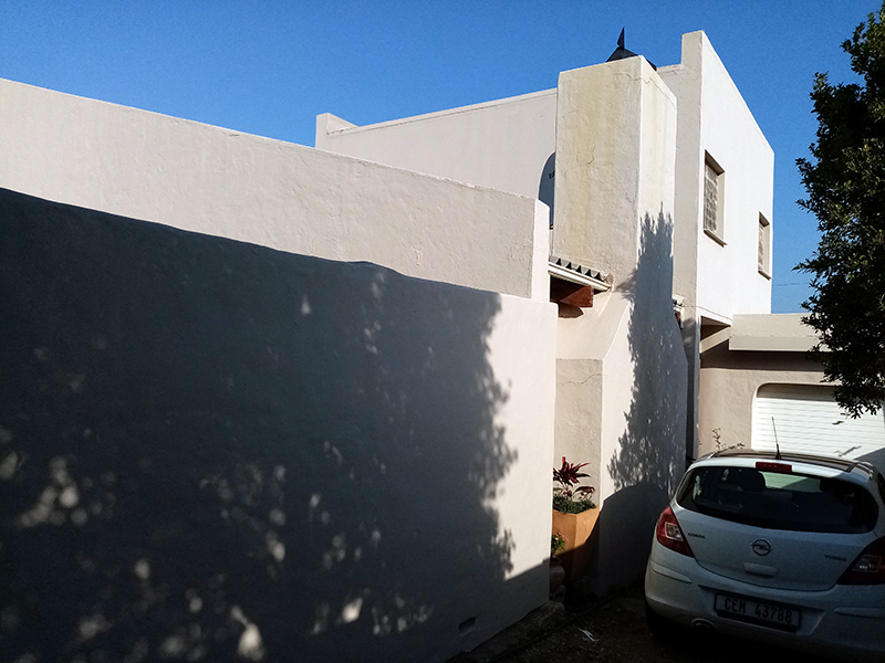 self-catering with garage